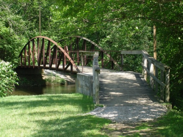 tate_park_bridge_clinton_1.jpg