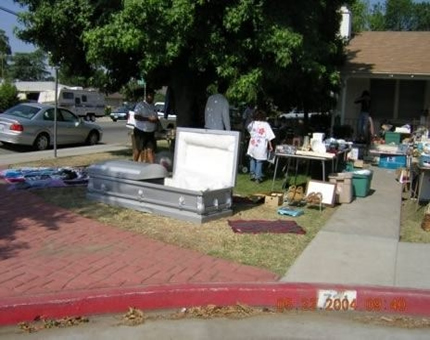 yardsale_coffin_1.jpg